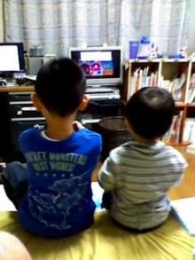 山田スイッチの『言い得て妙』 仕事と育児の荒波に、お母さんはもうどうやって原稿を書いてるのかわからなくなってきました。。。-110427_1955~002.jpg